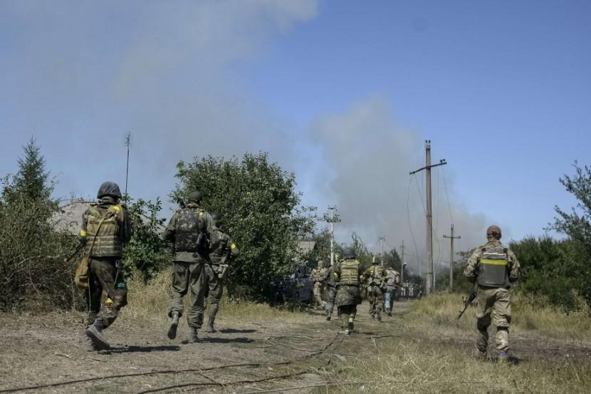 Двое украинских офицеров что бы не сдатся в плен подорвали себя