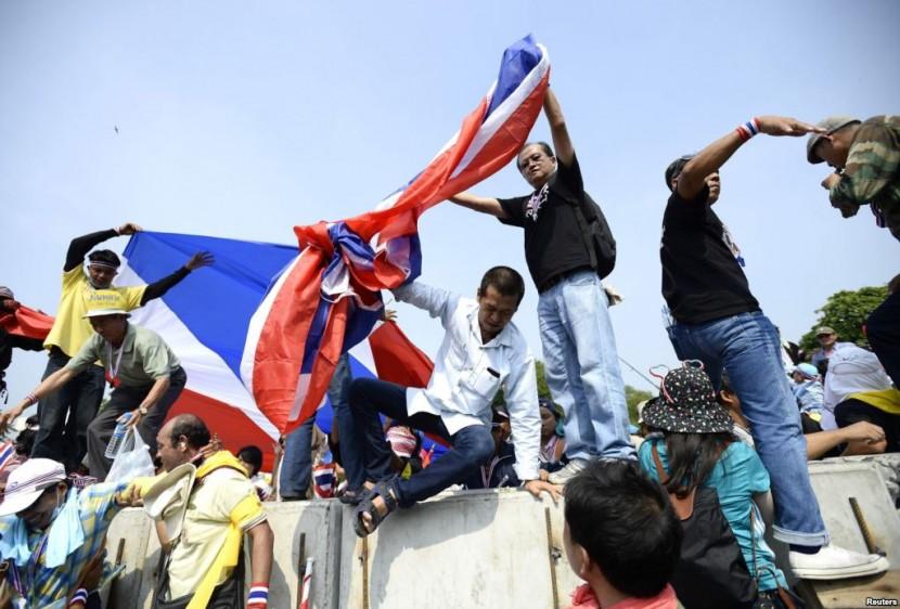 Центральная избирательная комиссия Таиланда отказалась публиковать результаты досрочных выборов