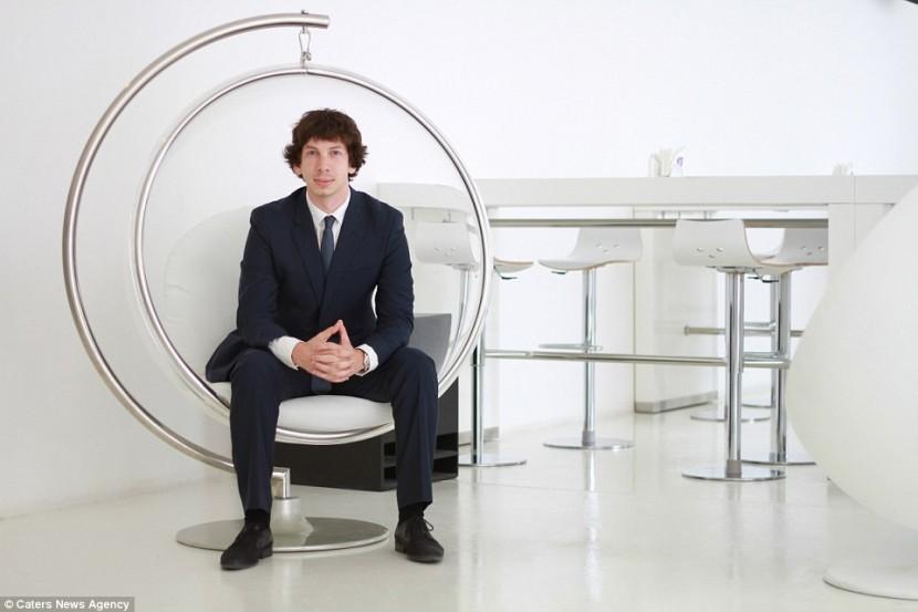 Успешный бизнесмен из Дубая добровольно присоединяется к эко-комунне