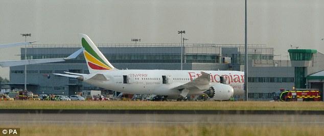 В аэропорту Хитроу ликвидировали пожар — загорелся Боинг 787