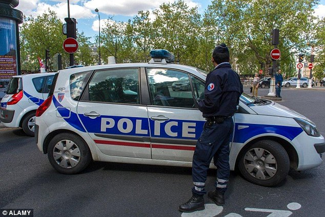 2BD7A68300000578-3216921-French_police_swooped_to_arrest_two_men_who_dressed_as_wealthy_A-a-34_1441018247291