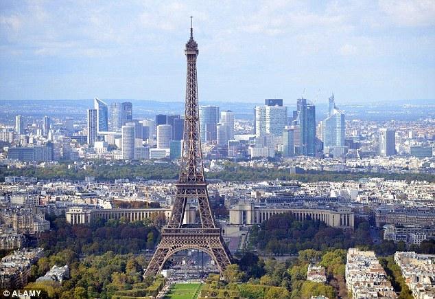 В Париже задержано двое преступников, грабивших номера в дорогих отелях