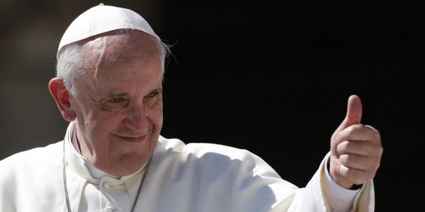 Запрет на использование дронов и палок для селфи во время посещения главы Католической церкви