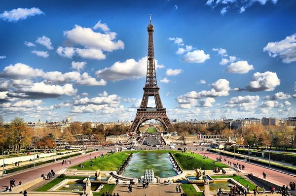 Осенний туризм в Париже набирает обороты
