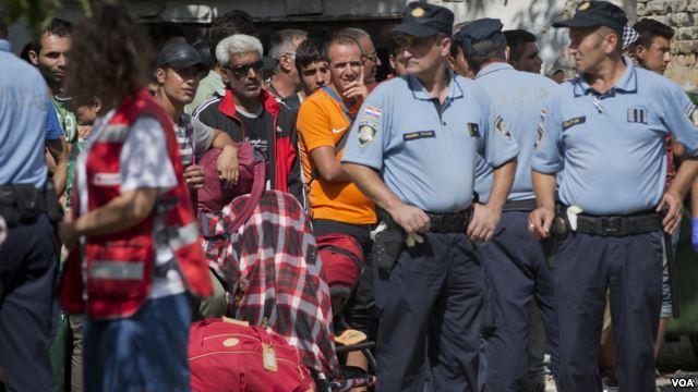 Хорватия закрывает границы из-за мигрантов