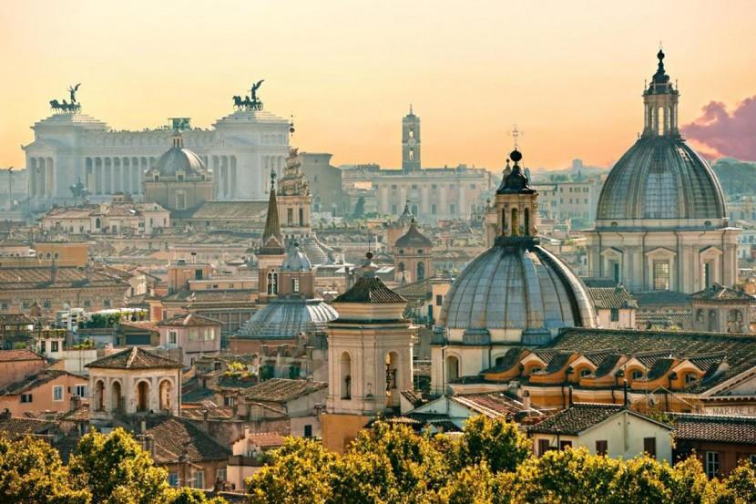 В Риме запущен туристический поезд в летнюю резиденцию Папы Римского