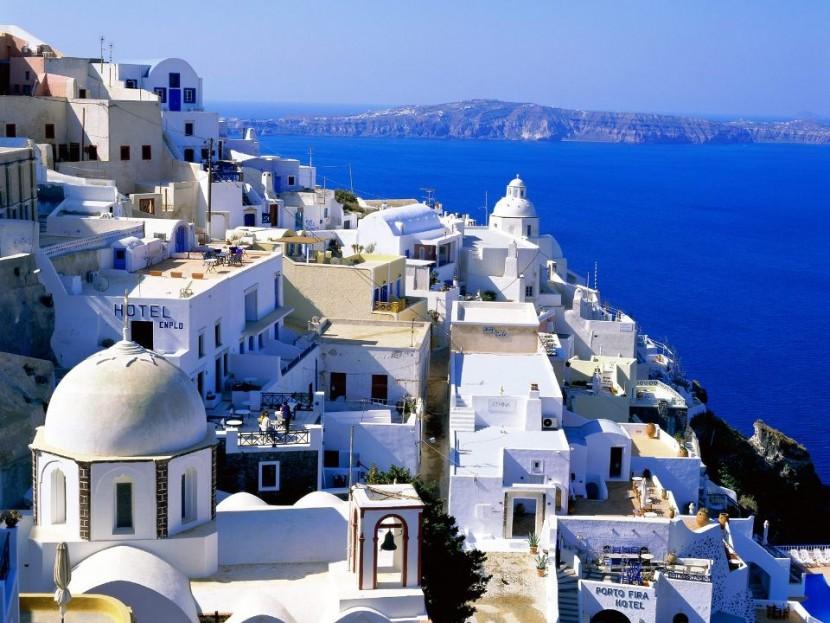 ЕС обязует Грецию принять новый план по выходу из кризиса