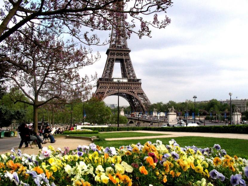 В Париже проходит день «Всеобщей тишины»