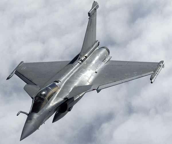 Франция начинает массированные атаки на территории Сирии