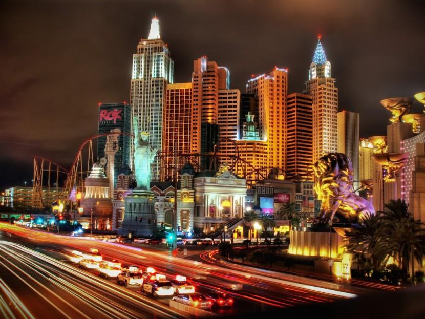 Лас Вегас популярен для проведения американских свадеб