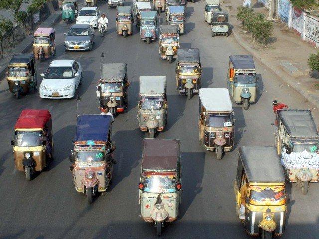 Группа предпринимателей из Пакистана создало транспортный сервис для рикш