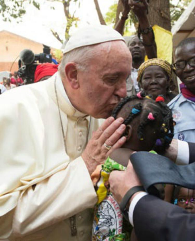 Папа римский Франциск призывает мусульман и христиан к миру