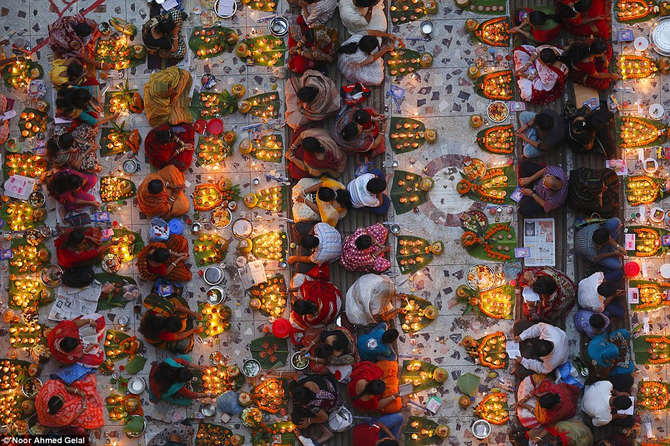 2E08AD3800000578-0-Open_colour_Shwamibagh_temple_Bangladesh_by_Noor_Ahmed_Gelal_The-a-56_1446455836457