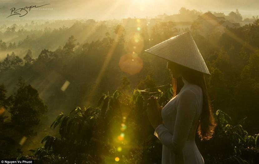 Вьетнамский художник демонстрирует туристическую привлекательность Вьетнама