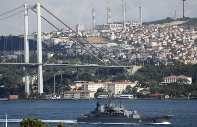 Экстремальная селфи-фотография, сделанная двумя энтузиастами в Стамбуле стала хитом среди всех фото в сети