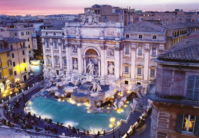 В Риме восстанавливают фонтан Треви