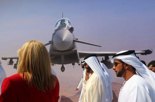 В Дубае прошло ежегодное авиационное шоу