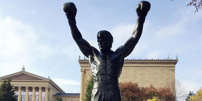В Филадельфии установлена статуя Рокки Бальбоа