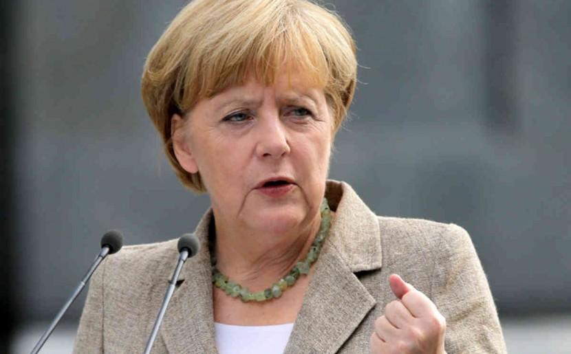 Баварские политические круги и немецкая оппозиция требует у Меркель пересмотра политики в отношении мигрантов
