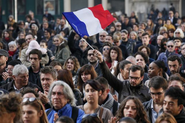 Французская полиция продолжает поиски радикалов: установлена еще одна личность