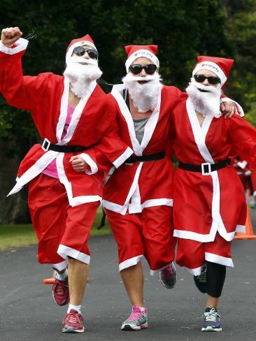 В Тасмании прошел забег Санта Клаусов