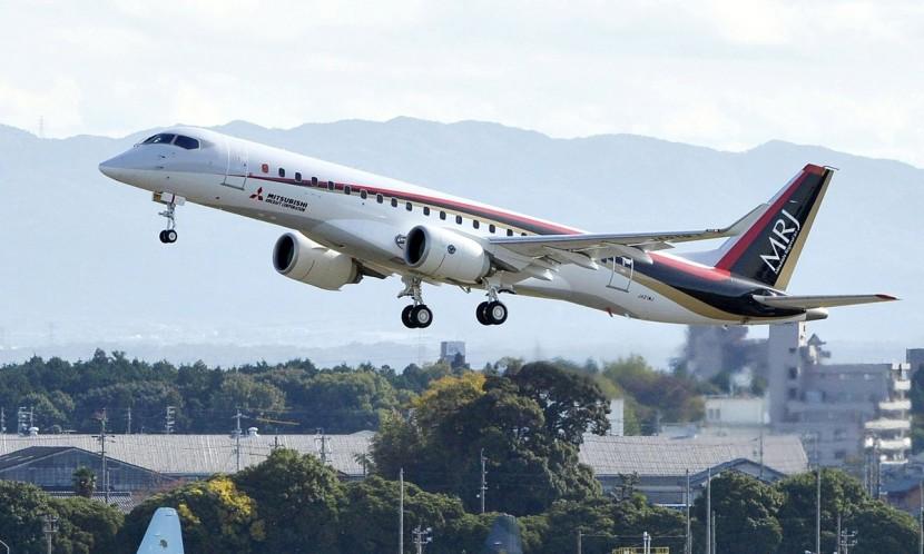 Mitsubishi отложили выпуск первого японского авиалайнера