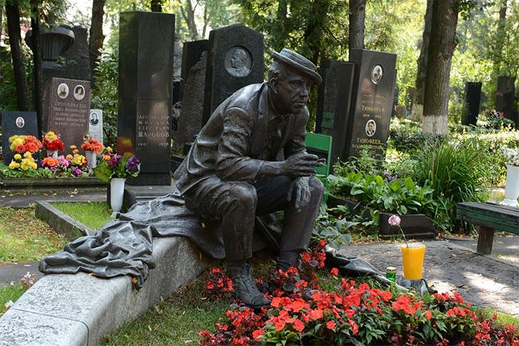 novodevichy-cemetery-111215