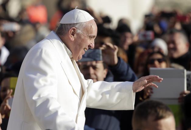 Папа Римский призывает католиков избегать обмана в Рождество