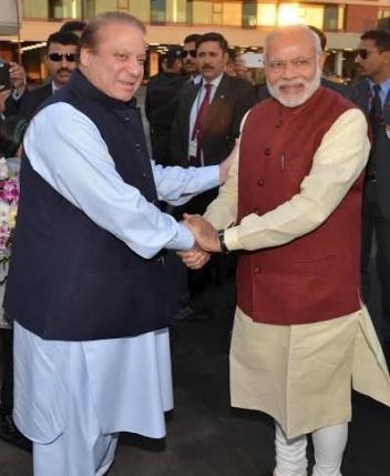 Премьер-министр Индии нанес визит в Пакистан