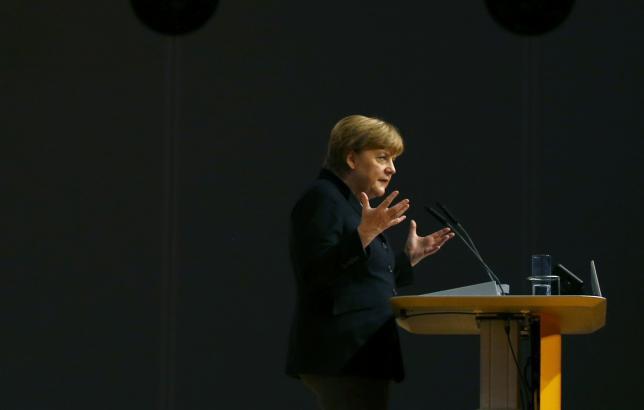 Немецкий канцлер пересматривает политику в отношении мигрантов