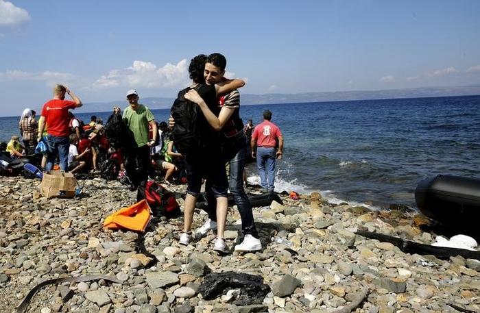 Комиссия ЕС предупреждает Грецию о необходимости пограничного контроля