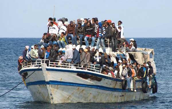 Вблизи Греции затонуло судно с беженцами: 43 утонувших