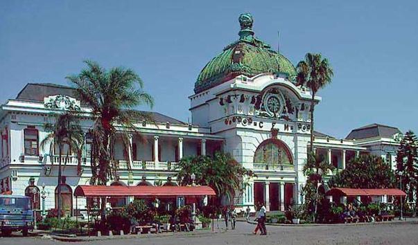 Железнодорожный вокзал в Мапуту, Мозамбик
