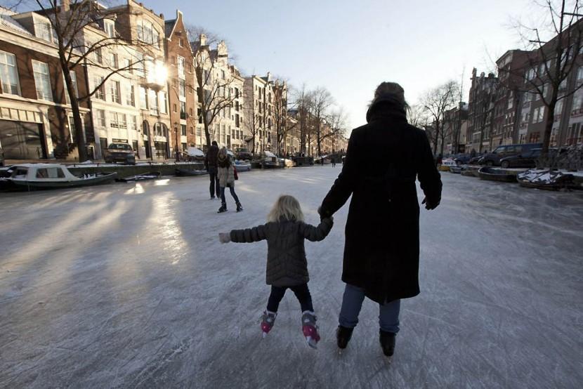 Жаркая зима не радует фигуристов приехавших в Нидерланды