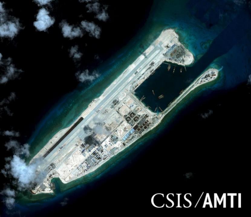 Китай повторно провел два тестовых полета над островами Спратли