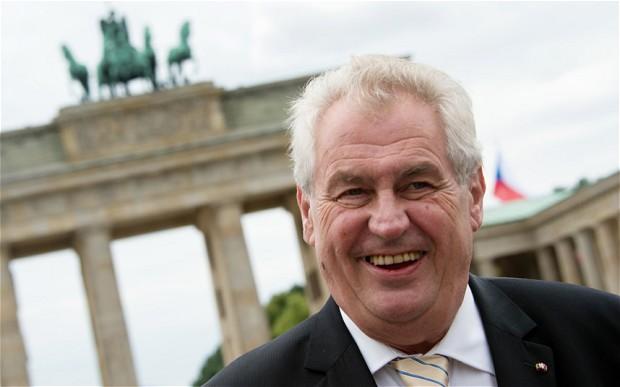 Президент Чехии указал на «неэффективность» текущих мер ЕС в отношении мигрантов
