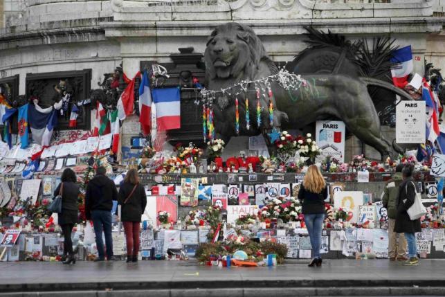 Франция объединяется после террористических актов 2015 года