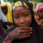 Правительство Нигерии всячески пытается вернуть похищенных школьниц