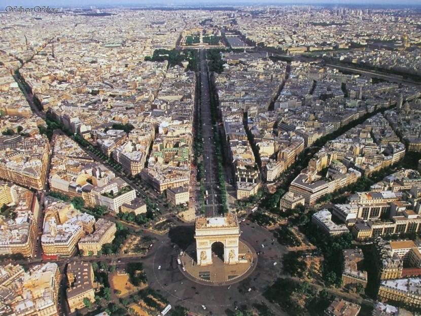 Парижские власти изменят семь основных площадей
