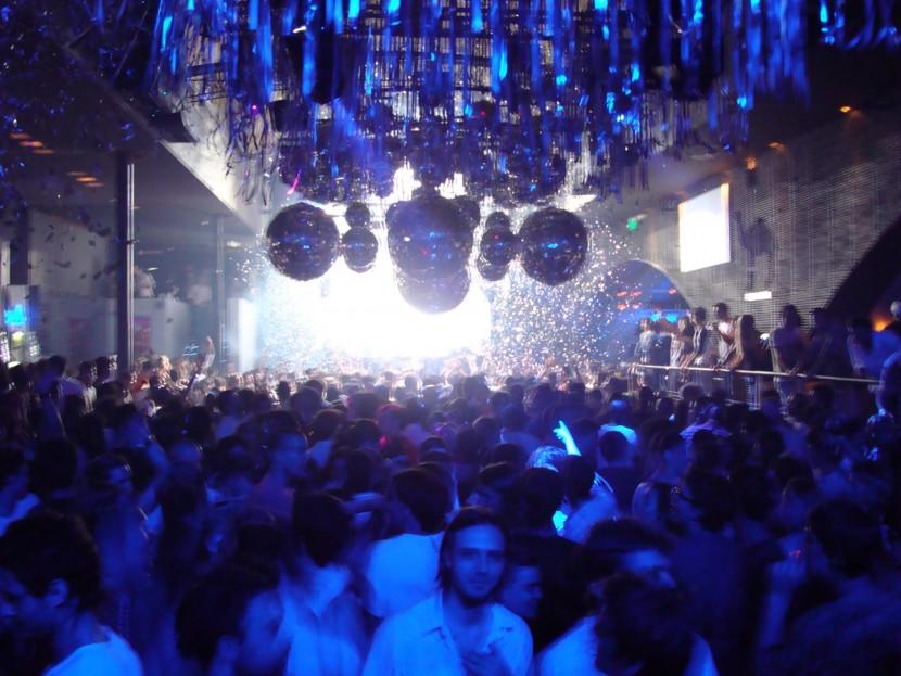 В Буэнос-Айресе закрыли все ночные клубы