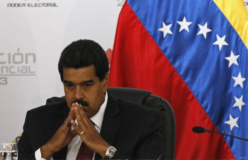 Венесуэла требует референдума
