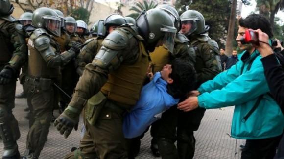 В Чили нарастают протесты