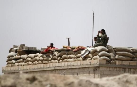 Сирийские войска усиливают атаку на позиции ИГ