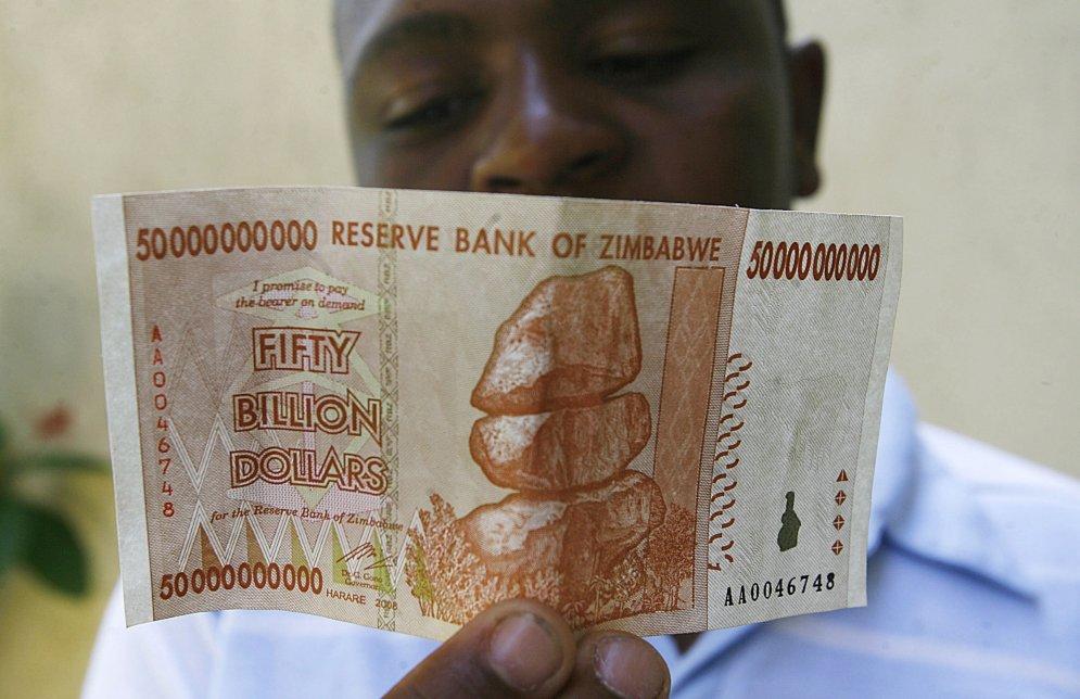 zimbabwean-dollar-46111459
