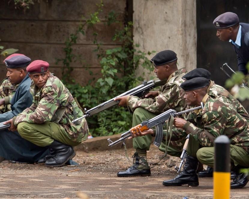 В Сомали террористы напали на элитный отель