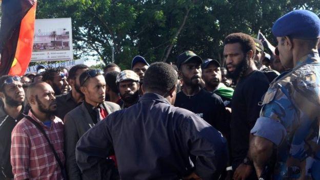 После расстрела демонстрации студентам запретили протестовать
