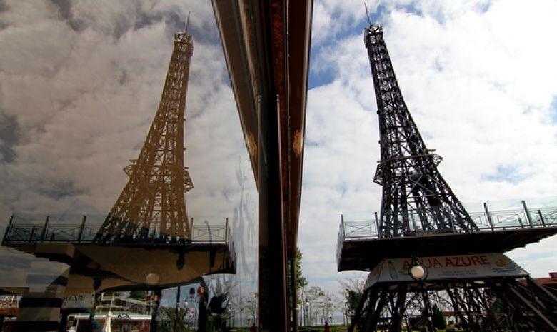 Эйфелева башня закрылась на забастовку