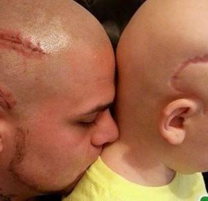 Отец сделал татуировку, чтобы поддержать сына