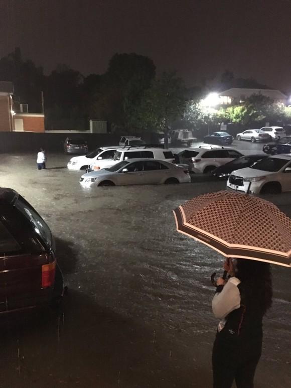 Австралия переживает сильнейшие штормы и наводнения