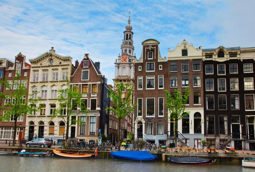 Амстердам пытается уменьшить число туристов
